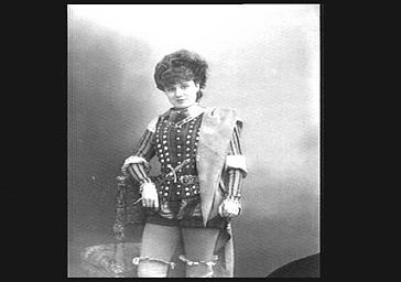 Marguerite Ugalde (Marie Varcollier, dite), dans 'L'Oiseau bleu'