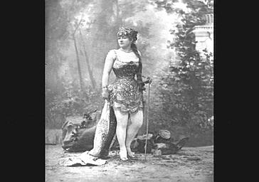 Miss Zaco, dans 'La Mascotte'