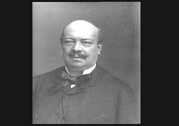 M. Godefroy, harpiste