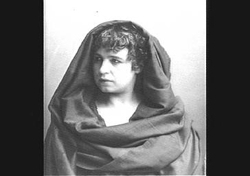 Mme Tessandier, dans 'Severo Torelli'