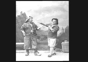 Lucien Fugère, baryton et Modot, dans 'Surcouf'