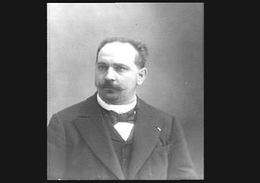 M. Brumant, chef d'orchestre