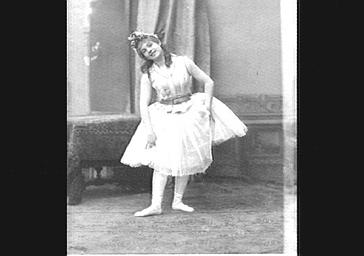 Mily Meyer, dans 'La Petite Poucette'