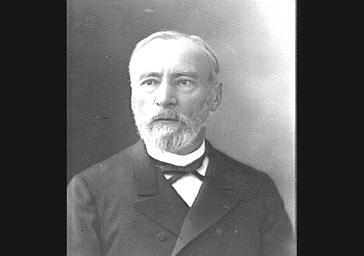 M. Vapereau, explorateur