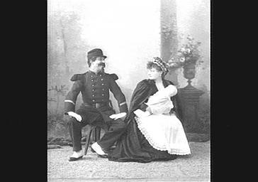 Diane Eckert et Edouard Georges, dans 'En Scène, Mesdemoiselles'
