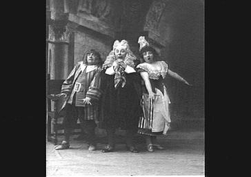 MM. Lucien Fugère et Bartel et Rose Delaunay et M. Legrand, dans 'Les Cloches de Corneville'
