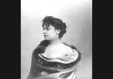 Mme Lasserre
