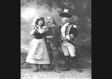 Mlle Bernaërt, Lucien Noël et Gabriel Soulacroix, baryton, dans 'Rip'