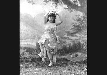 Mlle Langoix, dans 'O'Ménéné'