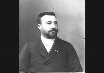 M. Laforge, professeur de piano au Conservatoire