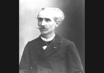 M. Desjardin, professeur de violon au Conservatoire