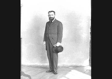 M. Grosclaude