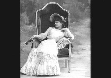 Blanche Toutain, dans 'Yvette'
