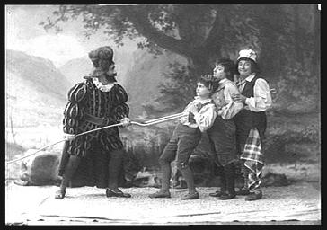 MM. Vauthier et Bienfait, Jeanne Mignot et Jeanne Thibault, dans 'Le Petit Poucet'