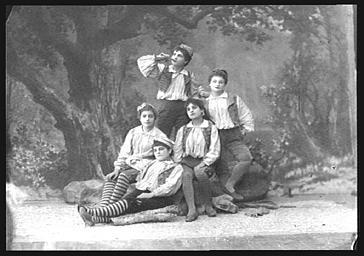 Groupe des frères Poucet