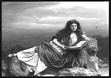 Mlle Sanlaville, dans 'Le Christ'
