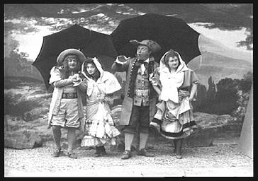 MM. Lucien Fugère, baryton et Dekernel, Renée Marcelle et Mariette Sully, dans 'Rip'