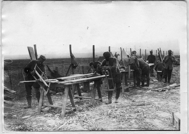 Camp de prisonniers. Prisonniers au travail