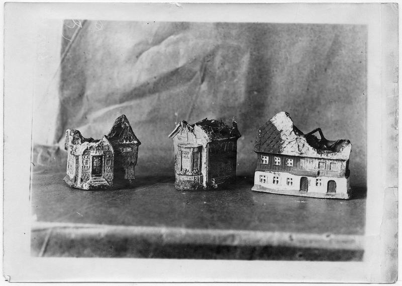 Jouets allemands, un village en ruines
