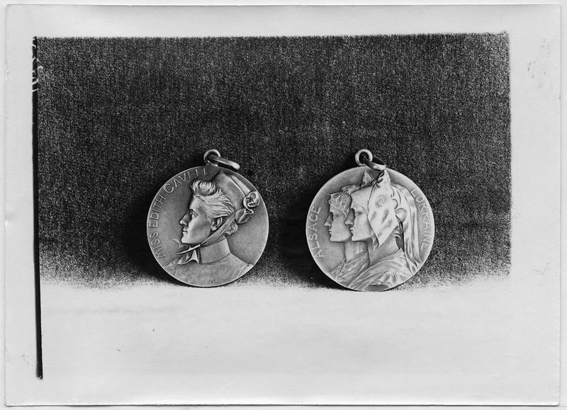 Médaille d'Edith Cavell et médaille d'Alsace-Lorraine par Prud'homme