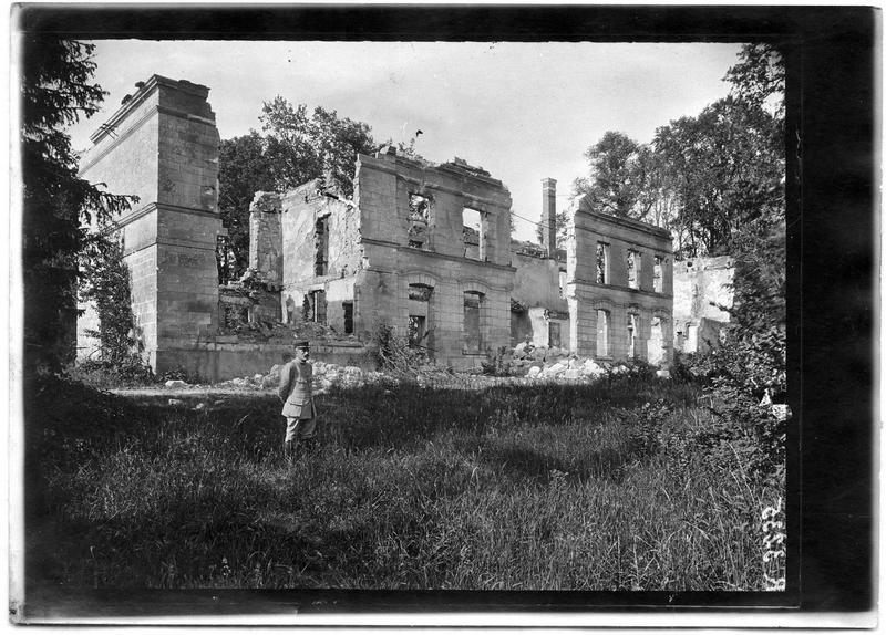 Château d'Ourscamp détruit par les Allemands