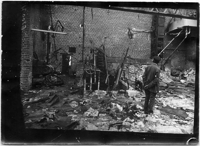 Destruction systématique de la sucrerie par les Allemands