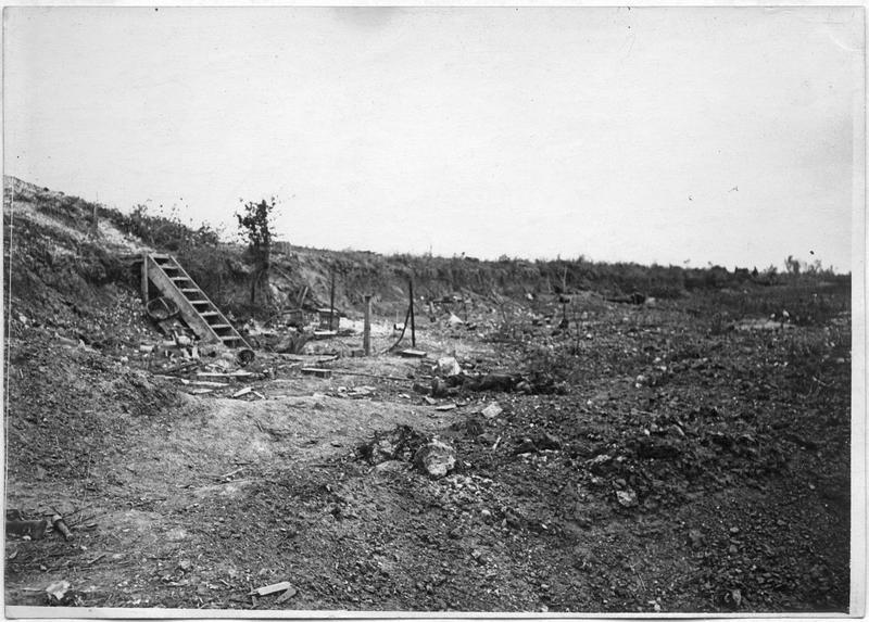 Les anciennes premières lignes allemandes, sur la route de Roye-Amiens