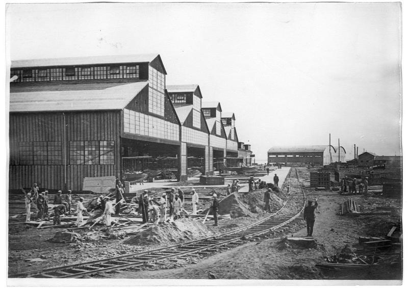 Centre américain d'aviation, les travailleurs des hangars abritant des hydravions Curtis
