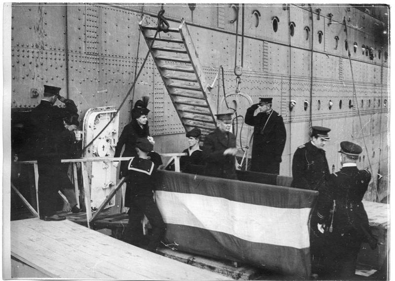Arrivée du président Wilson à Brest : le débarquement de la famille présidentielle