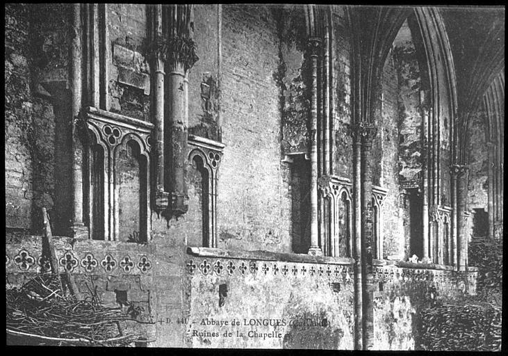 Vue intérieure de la nef : mur nord