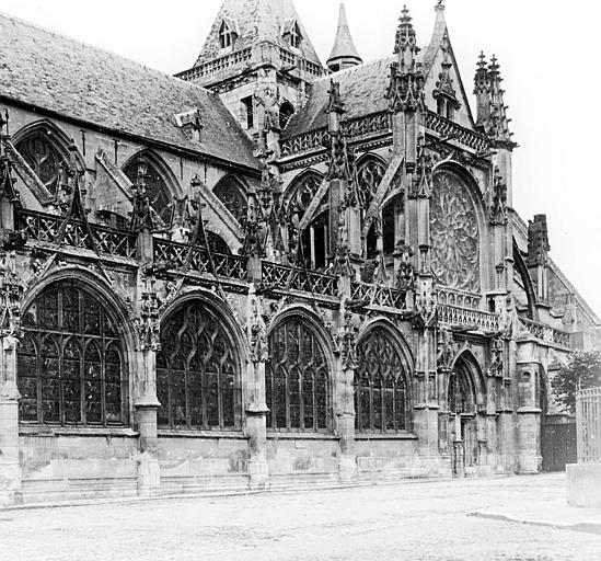 Transept et bas-côté sud et clocher