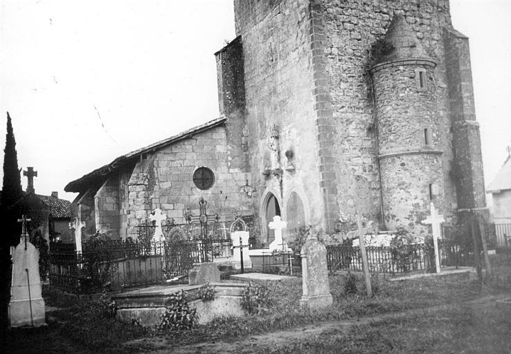 Le clocher et la nef