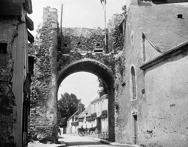 Porte Saint-Roch vue de l'intérieur de la ville