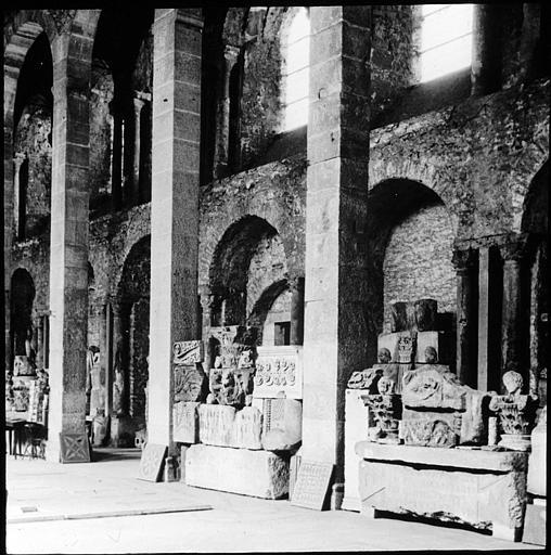 Vue intérieure de la nef, musée lapidaire