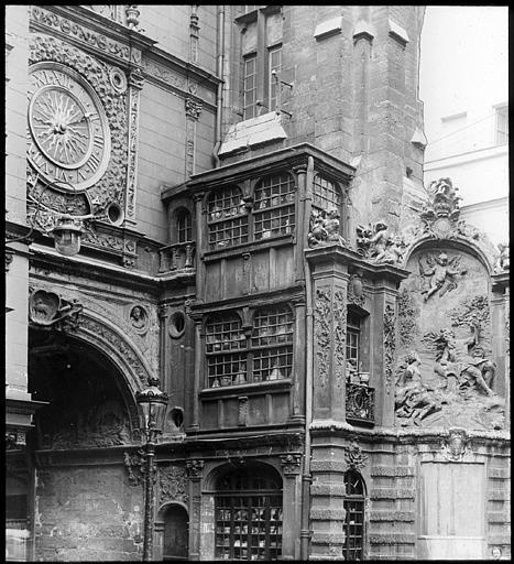 Détails de la façade, le cadran