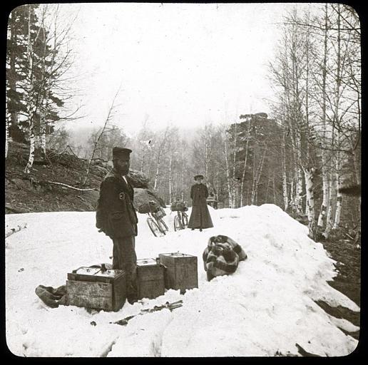 Au col de Vergio, cyclistes dans la neige