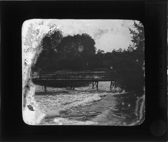 Pont en bois sur l'Indre