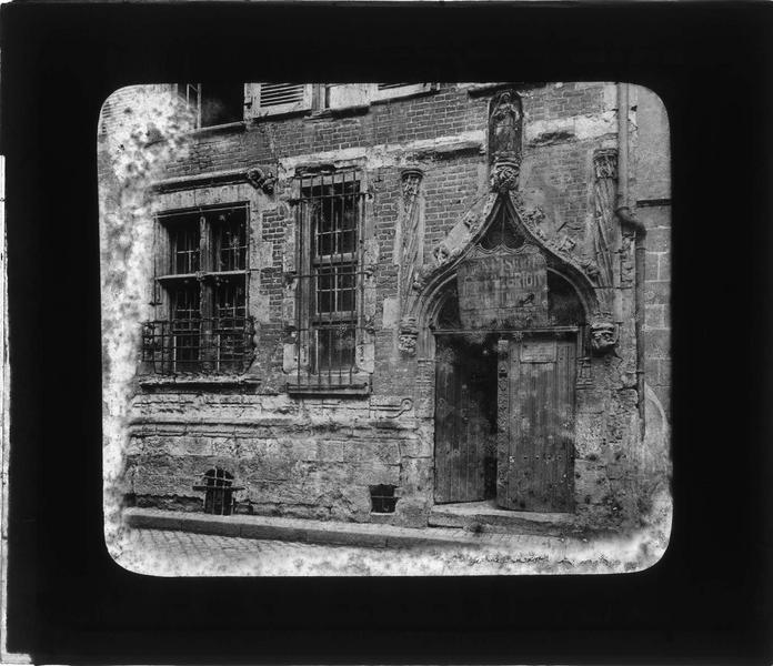 Hôtel dit Maison de Tristan L'Hermite, Maison de la Cordelière, ou Hôtel de Pierre du Puy