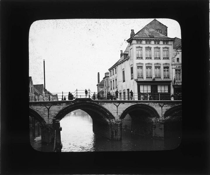 Pont sur la Dyle depuis le quai au Sel