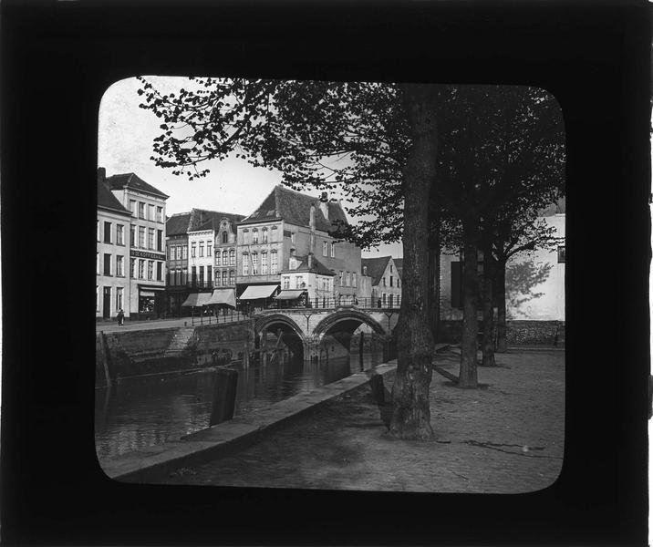 Pont sur la Dyle depuis le quai