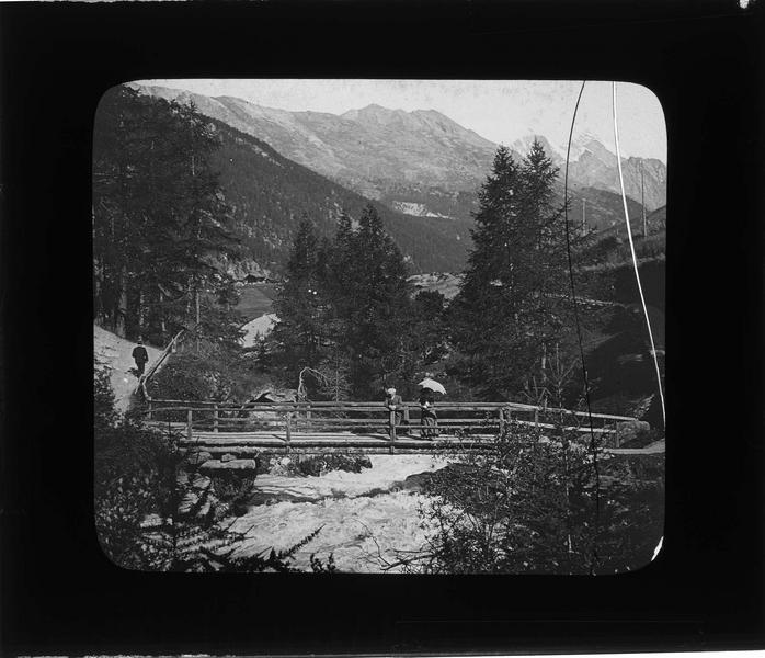 Pont sur le torrent Zmuttbach, vue animée