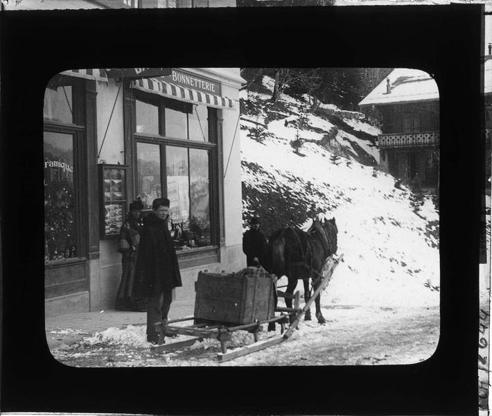Devanture d'un magasin, vue animée avec traîneau à cheval