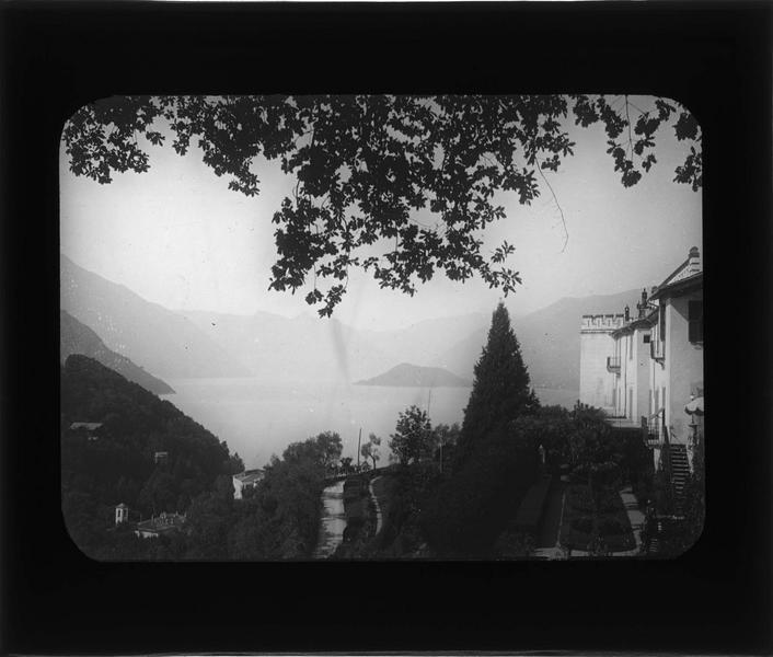Terrasse avec vue sur le lac de Côme