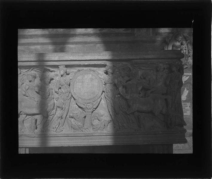 Sarcophage romain, détail