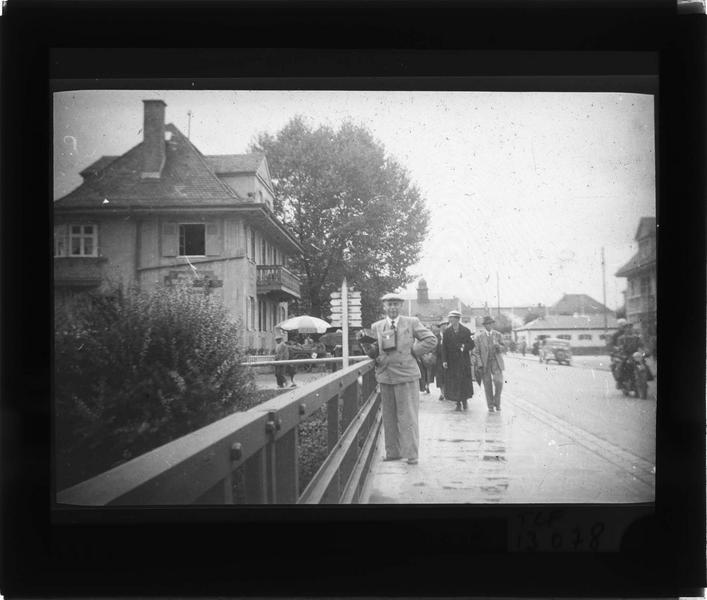 Pont sur la rivière Partnach et gare en arrière-plan, vue animée