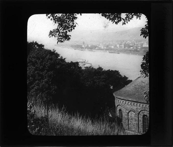 Panorama depuis la rive opposée