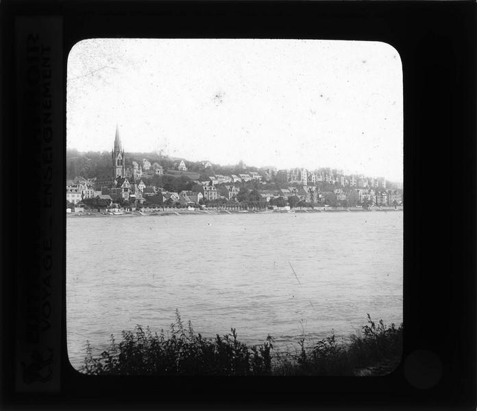 Panorama depuis la rive de Pfaffendorf