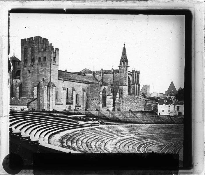Théâtre antique et basilique Saint-Nazaire, côté sud-ouest