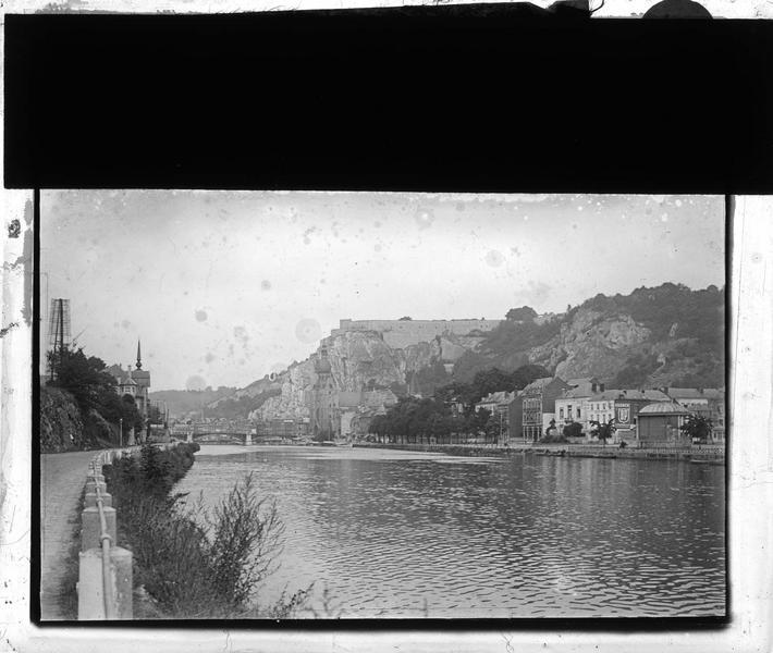 Ensemble sur la Meuse depuis l'avenue des Combattants