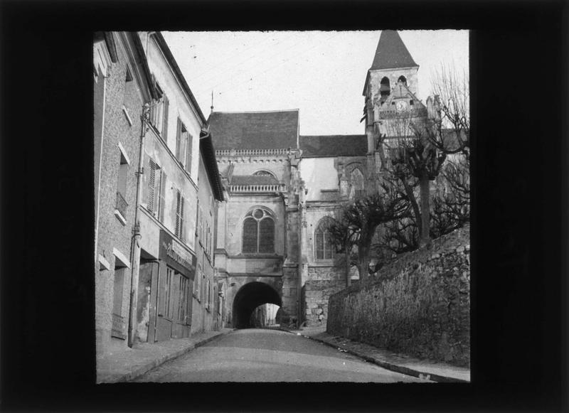 Chevet et clocher, côté est, depuis la rue Galante